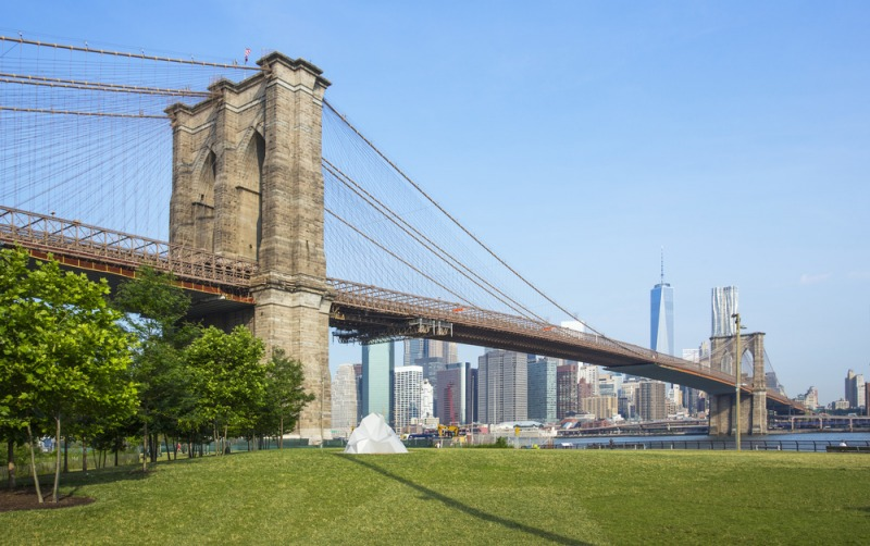 biking-hudson-brooklyn-bridge