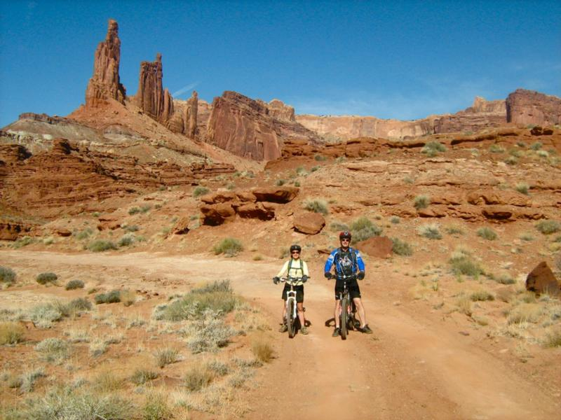 3515636_com_white_rim_trail_canyonlands_