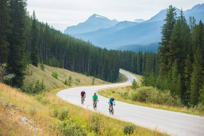 Canada_Biking_Bow_Valley_Parkway_Zizka_1